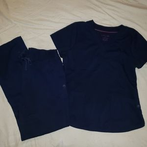 Healing Hands Scrub Set in Navy Blue size Large T